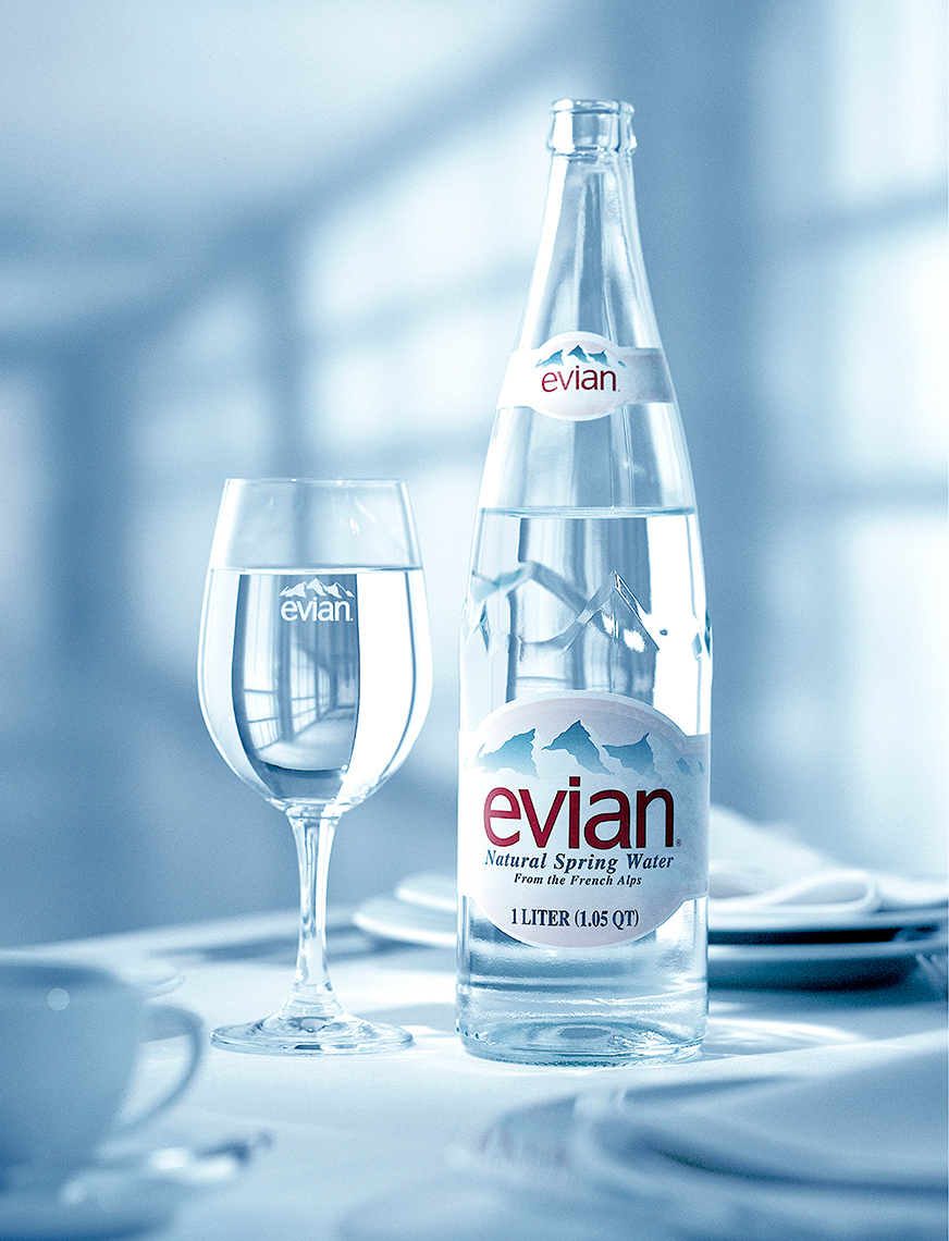 CB_0048_EVIAN-BOTTLE