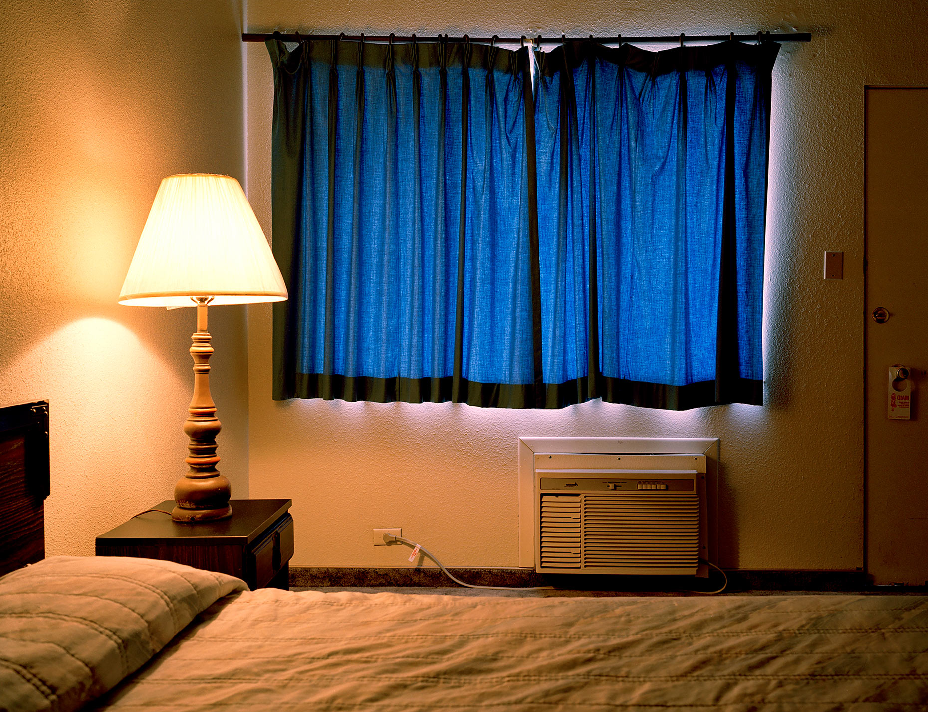 CB_MOTEL_BLUE-CURTAIN